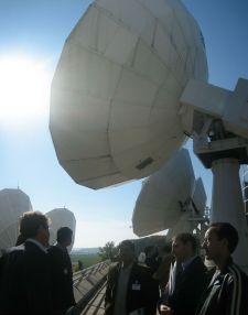 IMG_5026-IMG_5028_SES_satellite_disks_during_fieldtrip