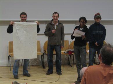 Students_presenting_IMG_7039