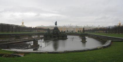 IMG_1920-IMG_1921_Bolshoy_Palace_in_Peterhof