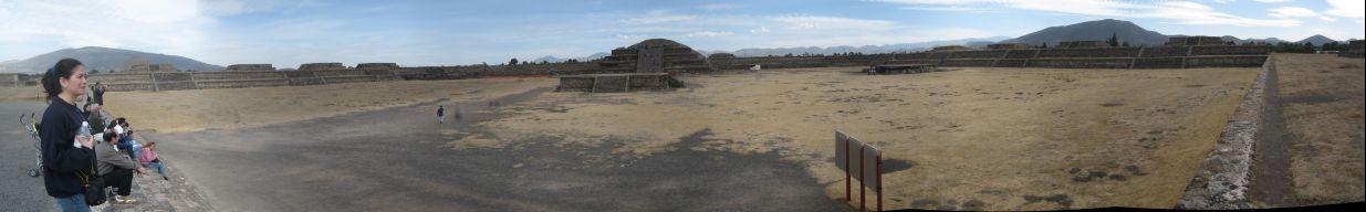 IMG_3201-IMG_3208_Teotihuacan_citadel