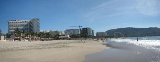 IMG_3510-IMG_3512_Ixtapa_main_beach